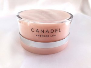 ピンクのパッケージのカナデルプレミアリフト