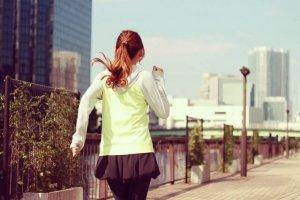 ジョギングしている女の子