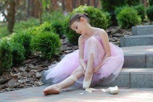 バレエをする少女