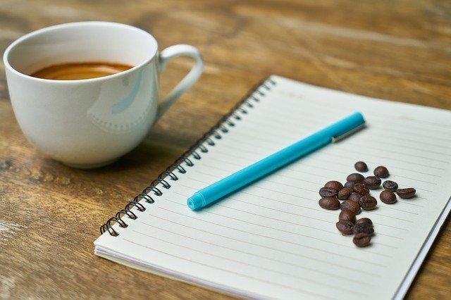 コーヒーとノートとコーヒー豆